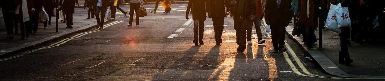 """Chiến dịch """"Giành lại vỉa hè cho người đi bộ"""" dưới góc độ pháp lý_Báo Mặt Trận số ra tháng 4.2017"""